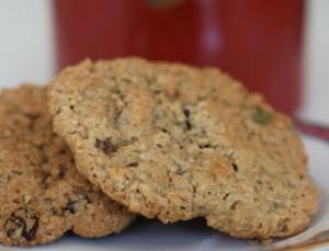 Biscuits aux graines, fruits secs et flocons d'avoine