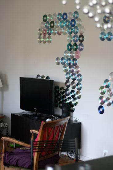 D corer avec des vieux cds pour un anniversaire sous notre toit - Decorer sa chambre avec des photos ...
