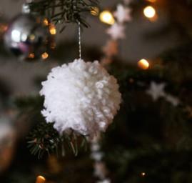 boule de Noël pompon