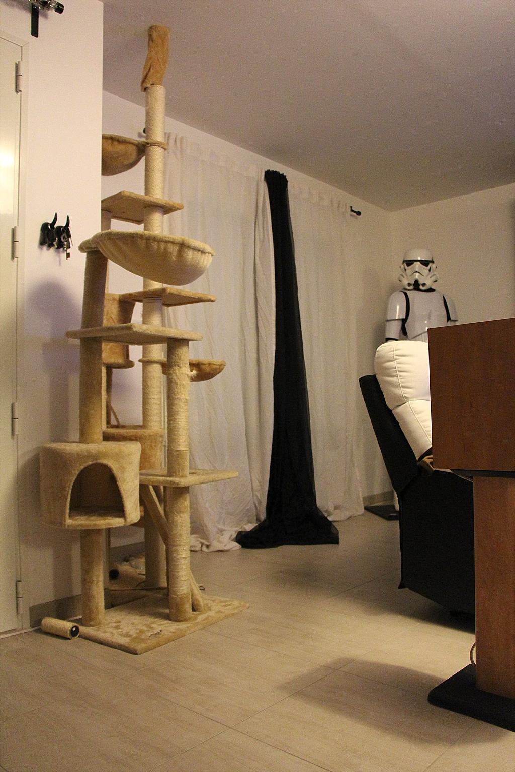 mon coin lecture geek place aux mangas sous notre toit. Black Bedroom Furniture Sets. Home Design Ideas