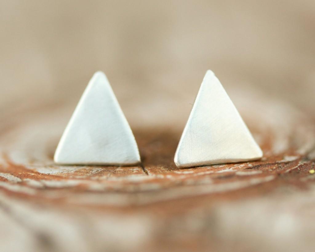 boucles d'oreilles puces triangles