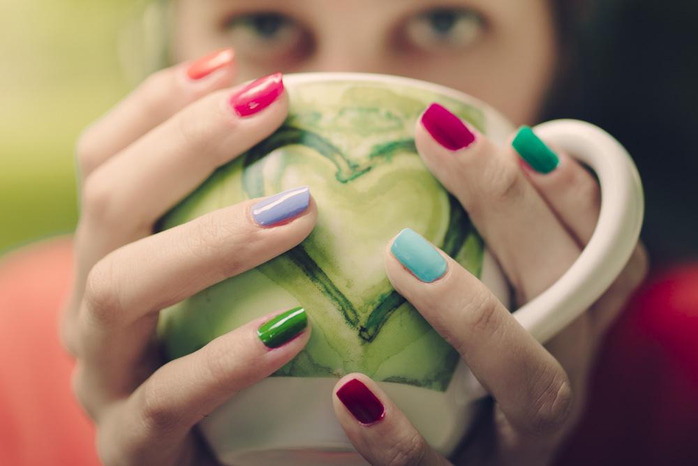 boire dans une tasse coeur