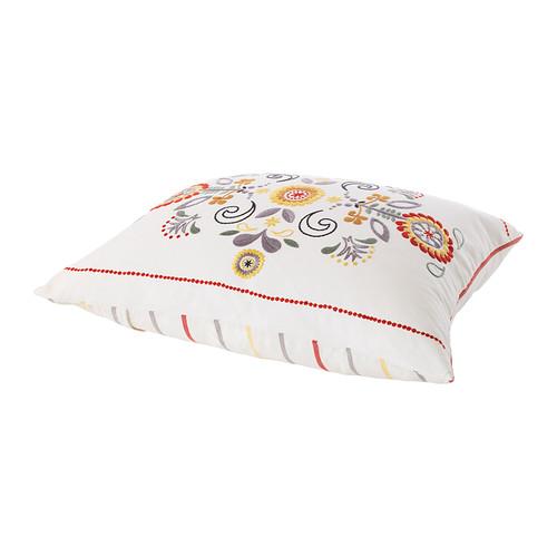 du peps sur ton canap 7 coussins moins de 30 euros sous notre toit. Black Bedroom Furniture Sets. Home Design Ideas