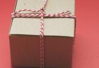 petit paquet en kraft et baker twine