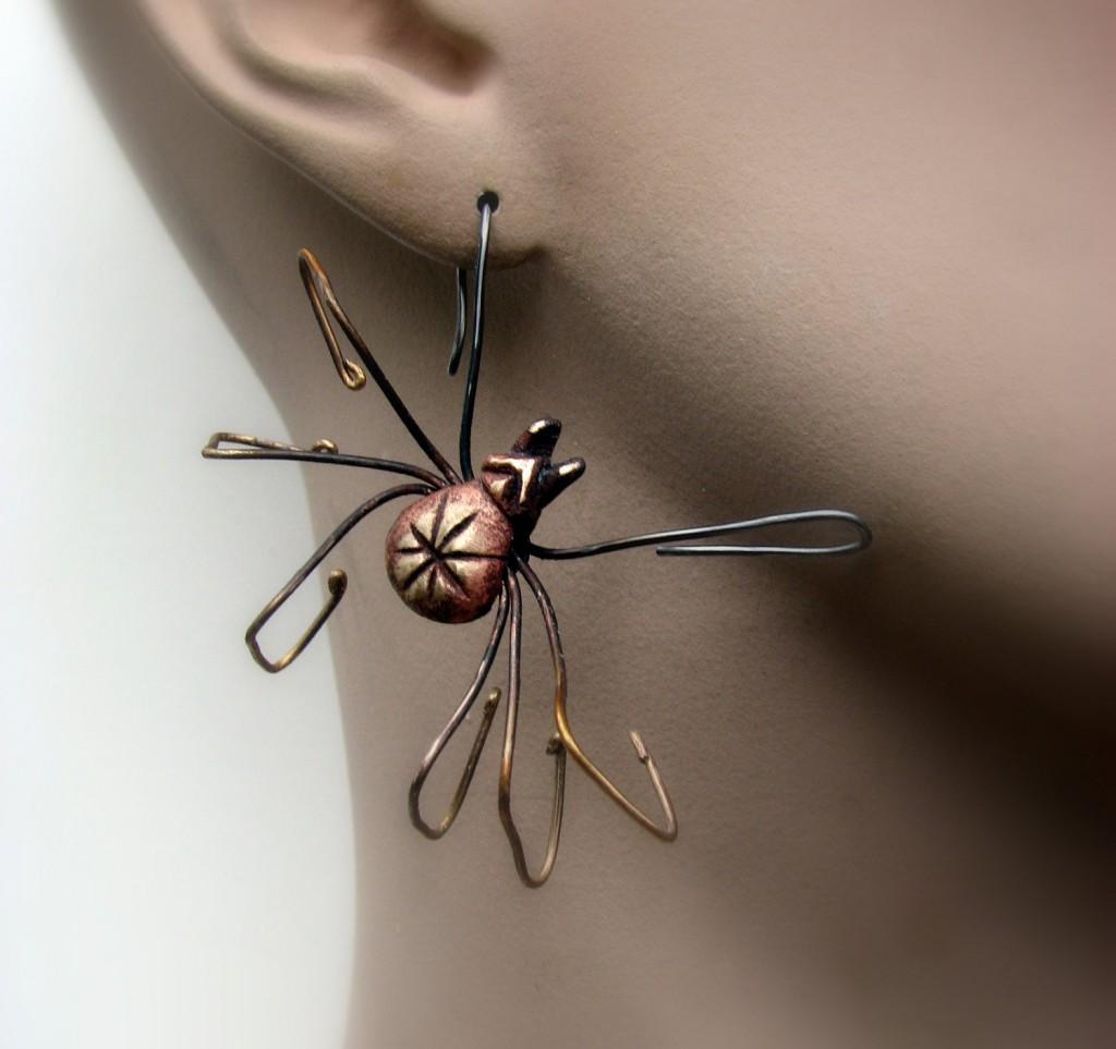 pendant d'oreille araignée
