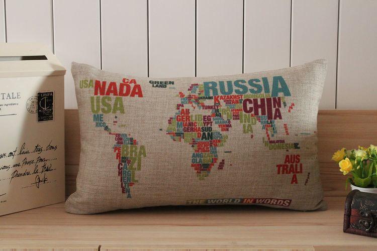 coussin carte du monde en mots