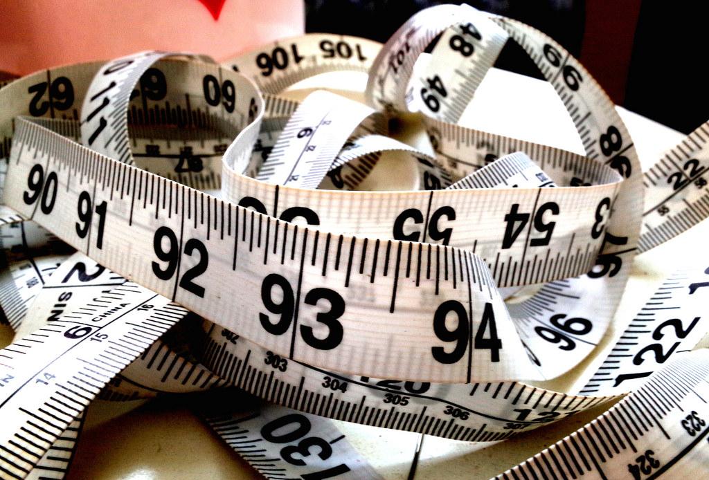 mètre ruban - perdre du poids avec une opération