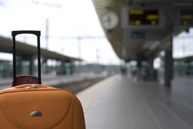 Valise dans une gare