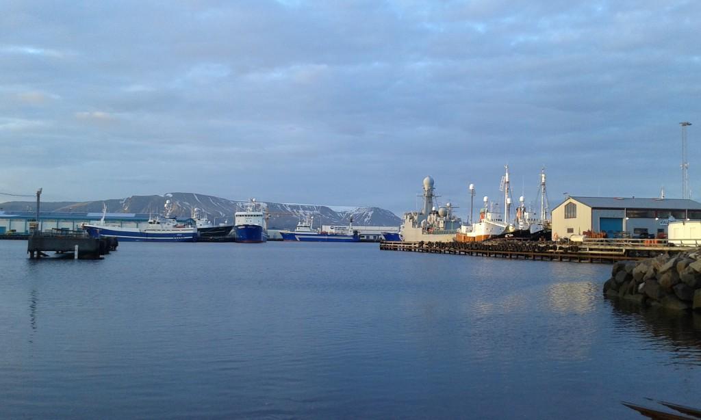 Port de Reykjavik le soir