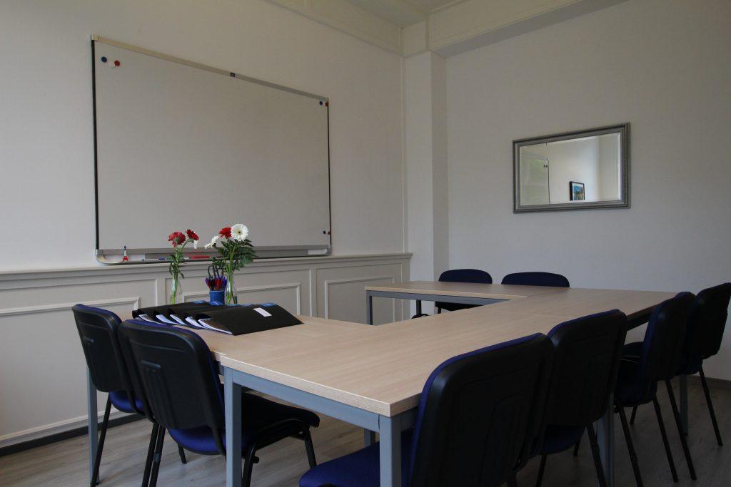 salle de classe l'école de français