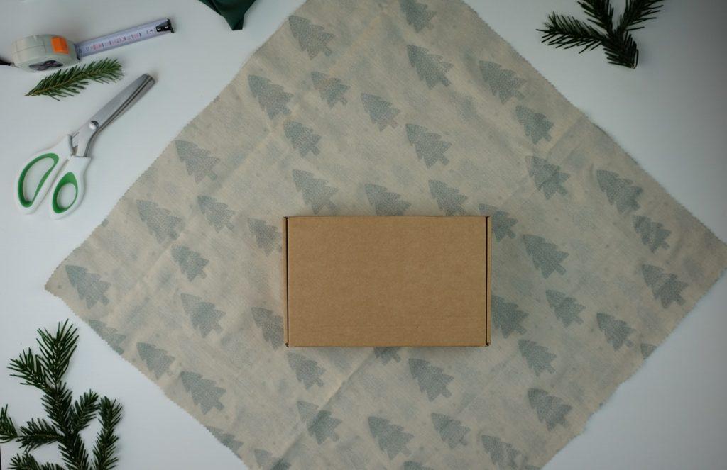 Tutoriel DIY : le furoshiki, un emballage facile et écologique pour les cadeaux de Noël